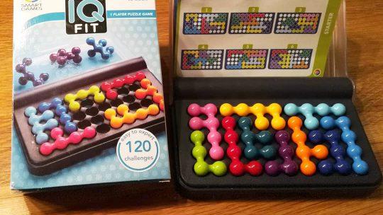 """""""IQ Fit"""" von Smartgames – ein schönes Logikspiel für Kinder ab 6 Jahren"""