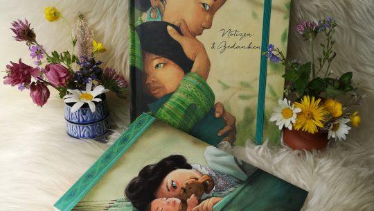 """Verlosung zum Muttertag: Notizbuch und Postkartenset """"Mama"""" von Quentin Gréban"""