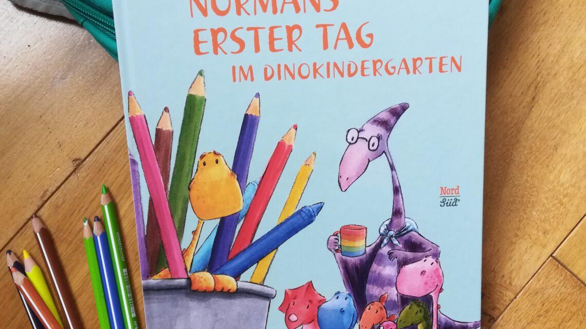 """Ein Bilderbuch für den Kita- Start – """"Normans erster Tag in Dinokindergarten"""""""