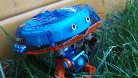 Spannendes Kinderspielzeug: Roboter Monty aus dem Kosmos Verlag