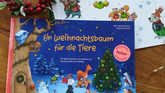 """""""Ein Weihnachtsbaum für die Tiere. Ein Adventskalender zum Vorlesen und Gestalten eines Fensterbildes"""""""