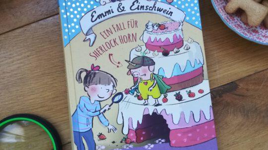 """""""Emmi & Einschwein. Ein Fall für Sherlock Horn"""" – Anna Böhm"""